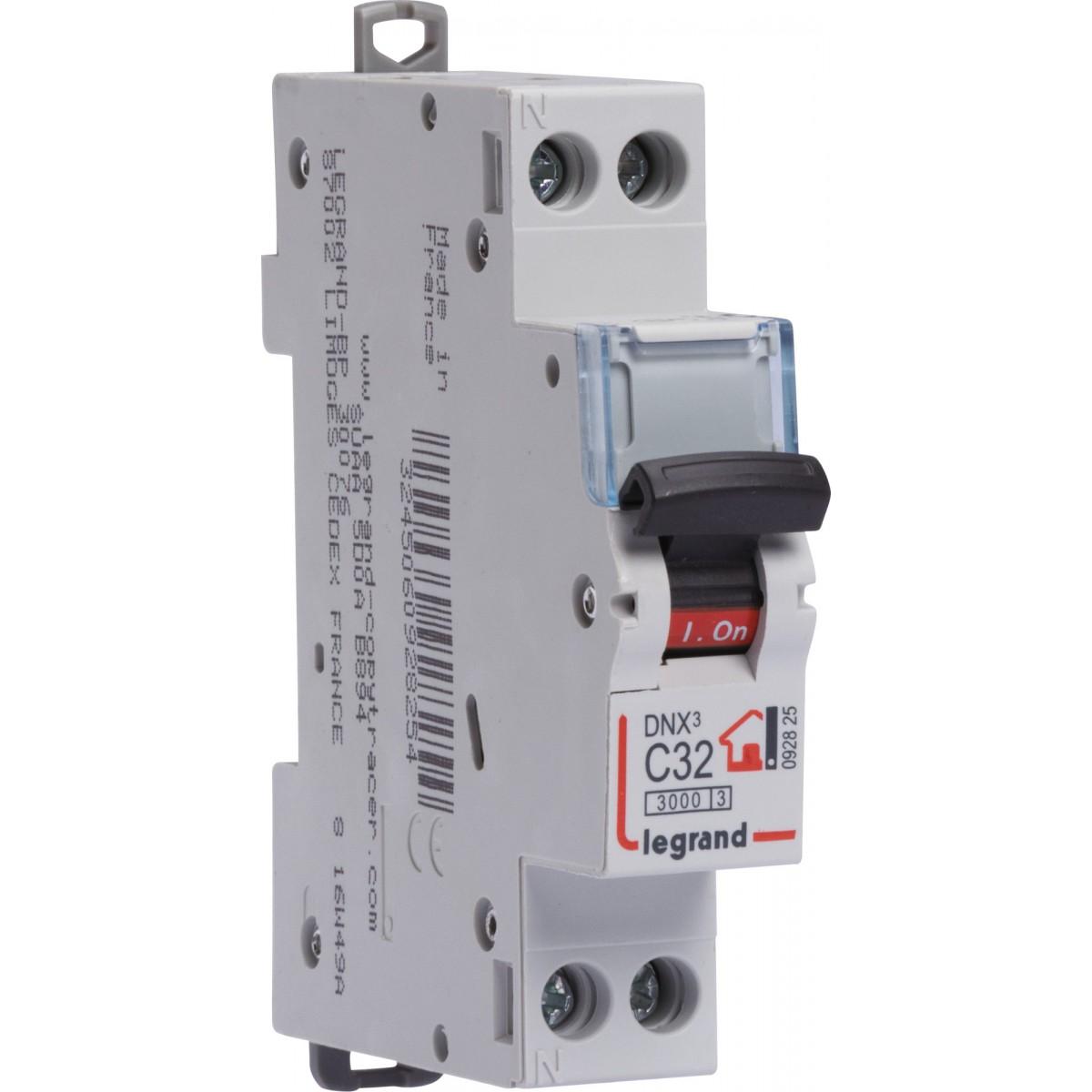 Disjoncteur DNX type C Legrand - Unipolaire + neutre - Intensité 32 A