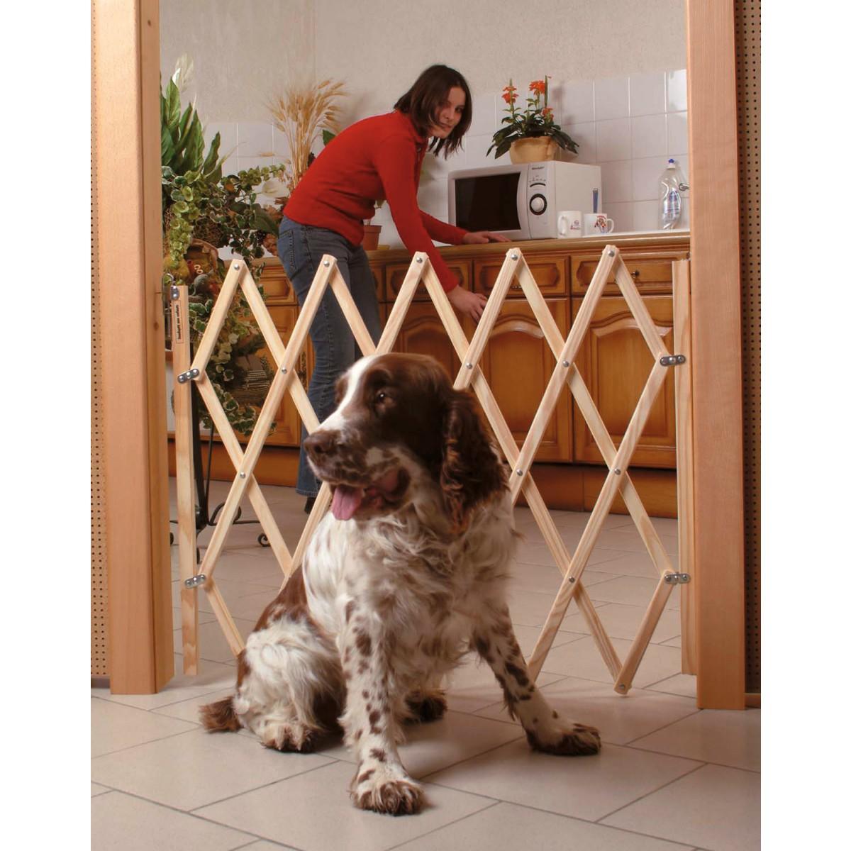 Barrière extensible bois pour animaux - Fermeture accordéon - Longueur 65 à 108 cm