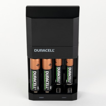 Chargeur high speed Duracell - 15 minutes de charge pour 4 h d'utilisation - Charge rapide - Pour piles AA et AAA